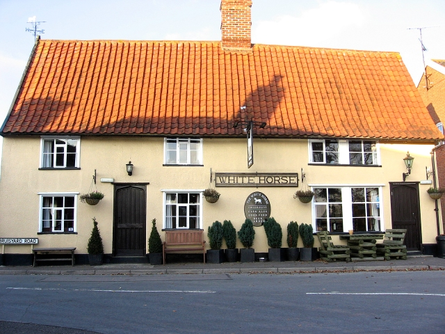 White Horse Pub in Rendham