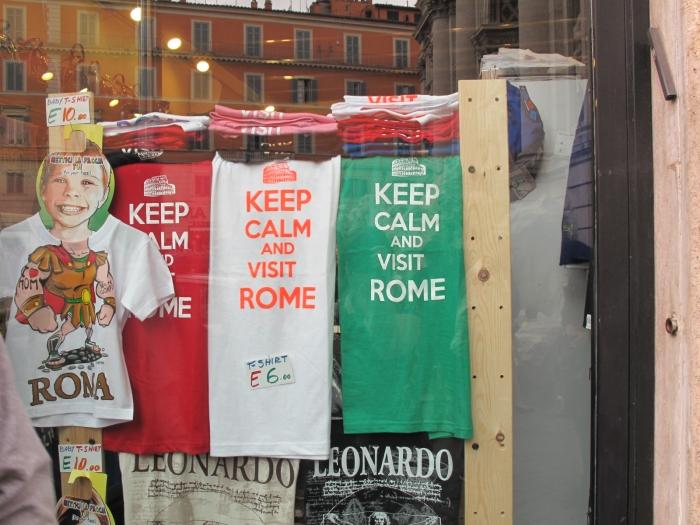 T-Shirt Shop near Trevi Fountain