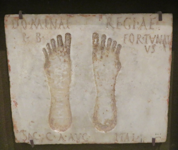 99-sevilla-arch-museum-footprints-copy