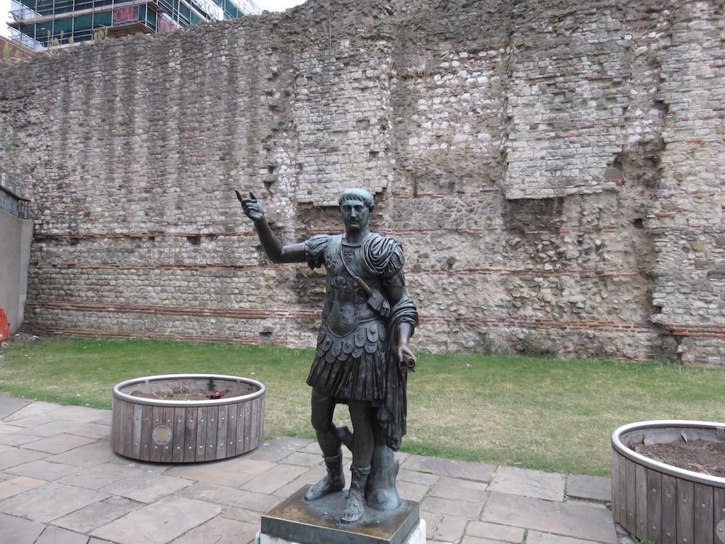 17-london-tower-trajan-statue-copy