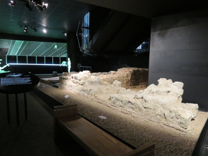 09-london-guildhall-roman-amphitheatre-copy